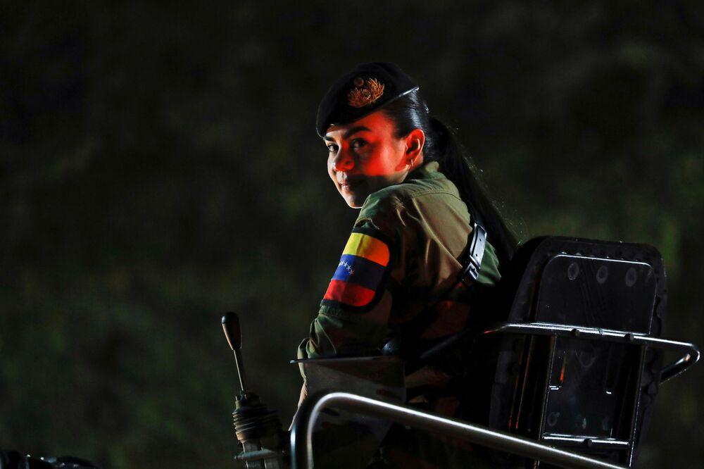 Militar do Exército Bolivariano durante a celebração do 210º aniversário da Independência da Venezuela, em Caracas, 5 de julho de 2021
