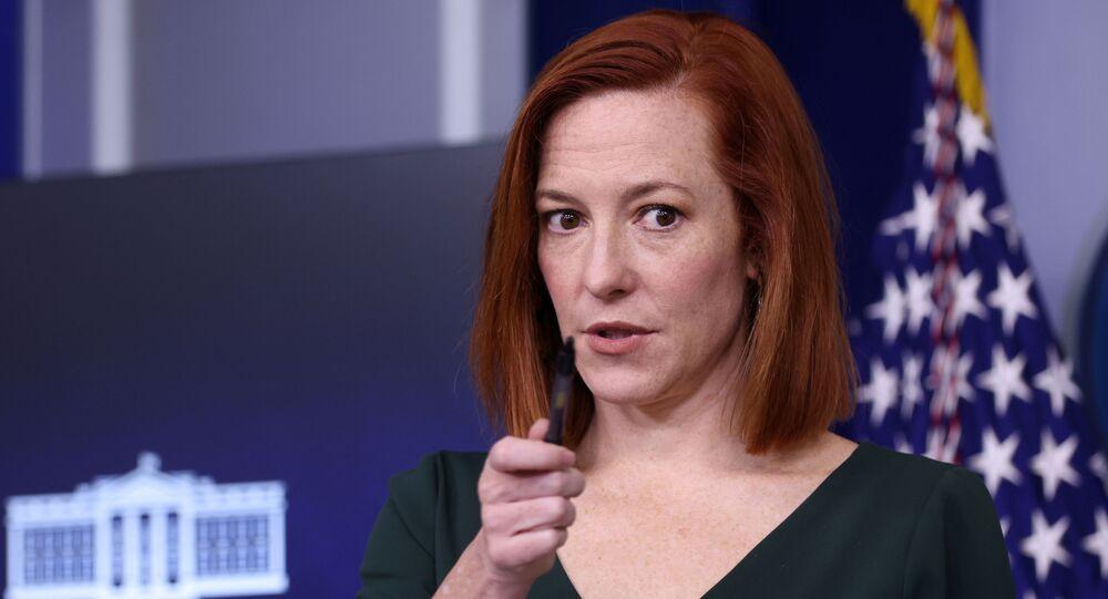 A secretária de imprensa da Casa Branca, Jen Psaki, realiza a coletiva de imprensa diária na Casa Branca em Washington, EUA, em 25 de fevereiro de 2021