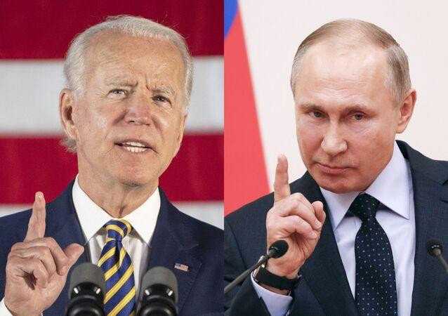 Arte com imagens de arquivos do então candidato democrata Joe Biden durante discurso em Darby, Pensilvânia e o presidente russo Vladimir Putin fazendo discurso durante reunião com atletas russos em Moscou