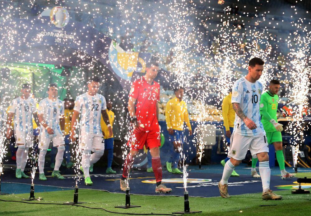 Momentos antes do início da final da Copa América no estádio do Maracanã, no Rio de Janeiro, 10 de julho de 2021