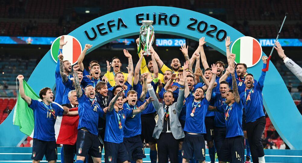 Seleção da Itália após vencer Inglaterra na final da Euro 2020 no estádio de Wembley, Londres, Reino Unido, 11 de julho de 2021