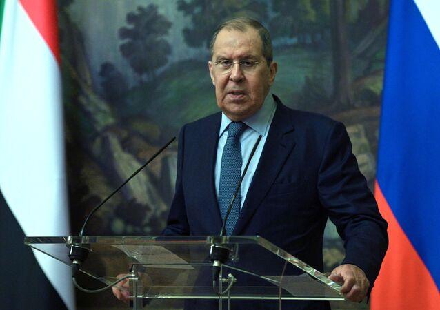 Chanceler russo Sergei Lavrov após reunião com sua homóloga do Sudão, Moscou, 12 de julho de 2021