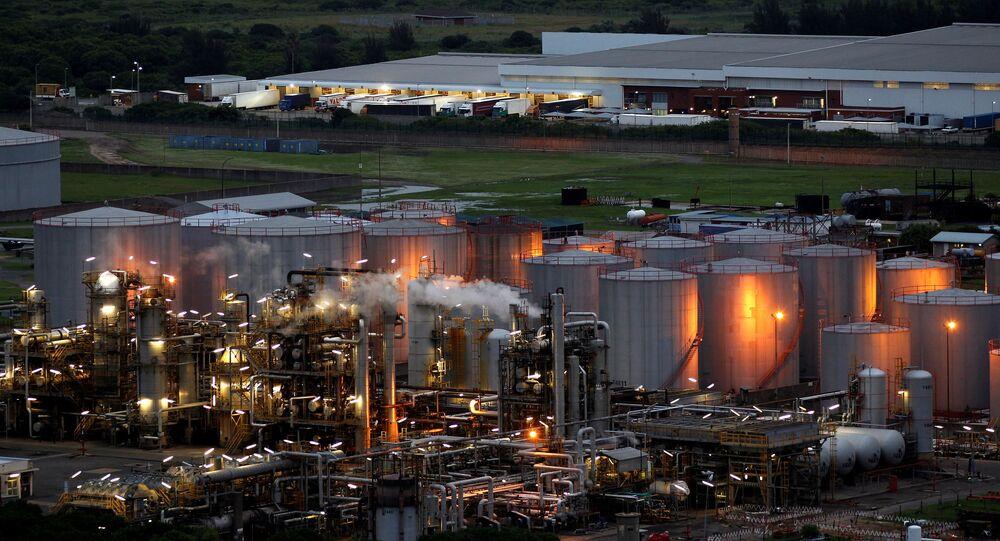 Vista geral da refinaria da Sapref em Durban, África do Sul
