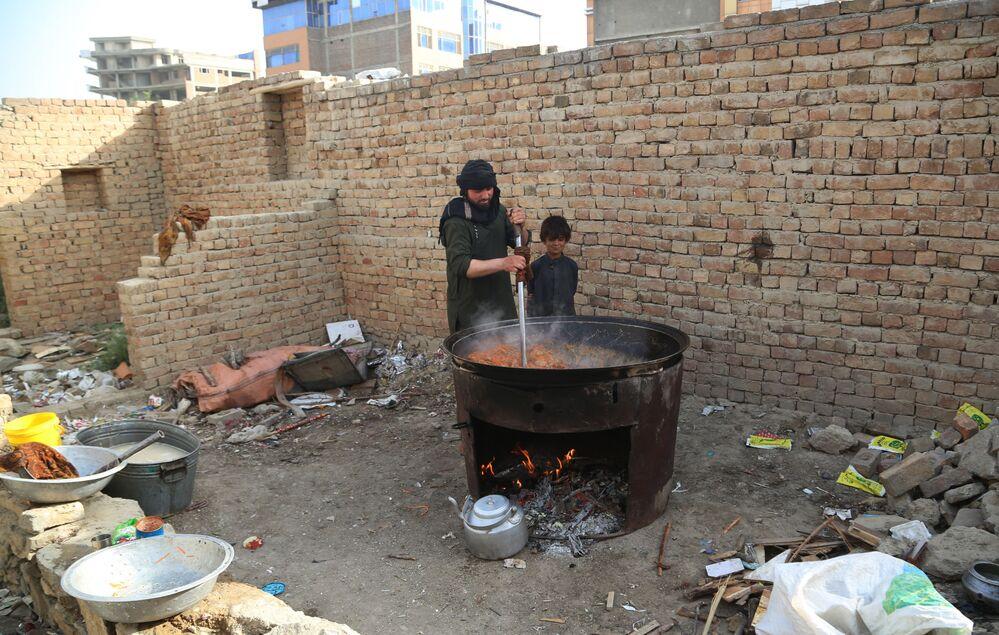 Refugiados da zona de guerra no Afeganistão