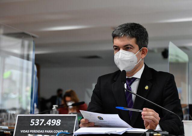 Senador Randolfe Rodrigues durante sessão na CPI da Covid, Brasília, 15 de julho de 2021