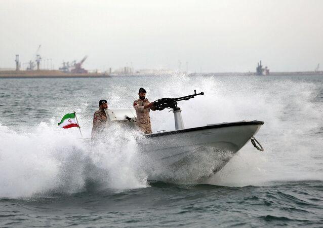 Embarcação da Marinha iraniana