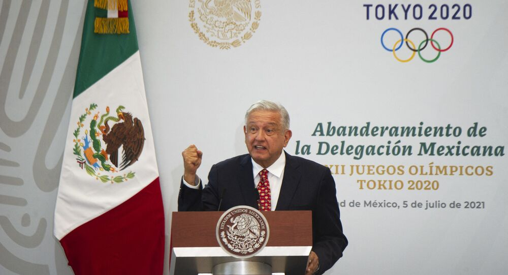 Presidente mexicano López Obrador fala durante cerimônia da bandeira da seleção mexicana para os Jogos Olímpicos de Tóquio em 2020, na Cidade do México. Foto de arquivo