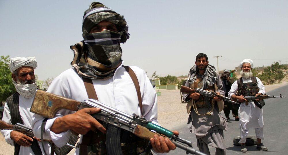 Ex-mujahideen apoiador das forças afegãs no combate ao Talibã, província de Herat, Afeganistão, 10 de julho de 2021