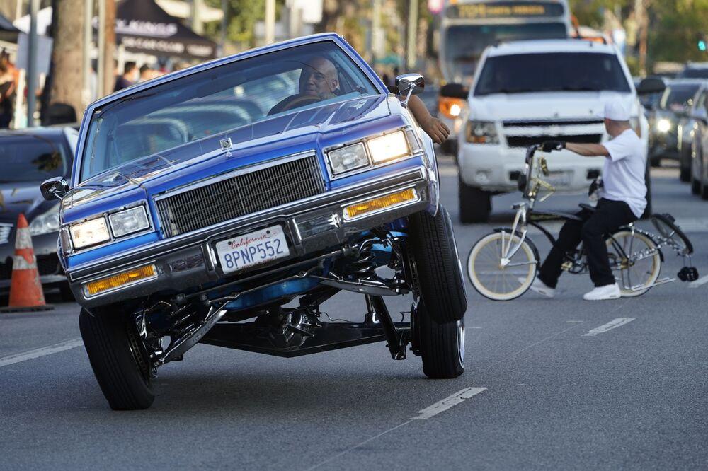 Carro lowrider de três rodas em Los Angeles, EUA, 18 de julho de 2021
