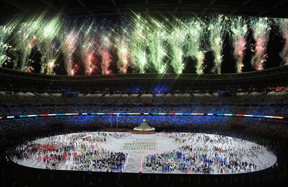 Desfile dos atletas na cerimônia de abertura dos Jogos Olímpicos em Tóquio, Japão, 23 de julho de 2021