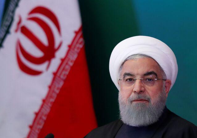 O presidente iraniano, Hassan Rouhani, participa de uma reunião com líderes e acadêmicos muçulmanos em Hyderabad, Índia, em 15 de fevereiro de 2018