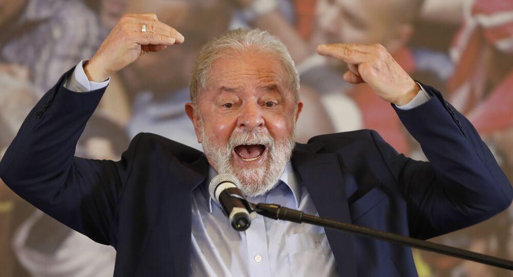 Ex-presidente Luiz Inácio Lula da Silva fala após um juiz descartar ambas suas condenações por corrupção, 10 de março de 2021