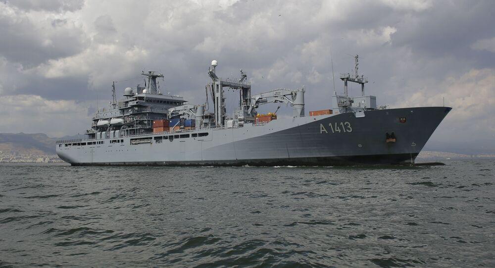 Navio de guerra alemão FGS Bonn. Foto de arquivo