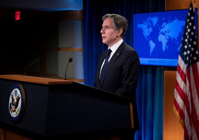 Antony Blinken, secretário de Estado dos EUA, fala durante briefing no Departamento de Estado em Washington, EUA, 2 de agosto de 2021