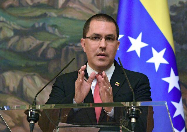 Jorge Arreaza, ministro das Relações Exteriores da Venezuela, durante coletiva de imprensa com Sergei Lavrov, seu homólogo da Rússia, em Moscou, Rússia
