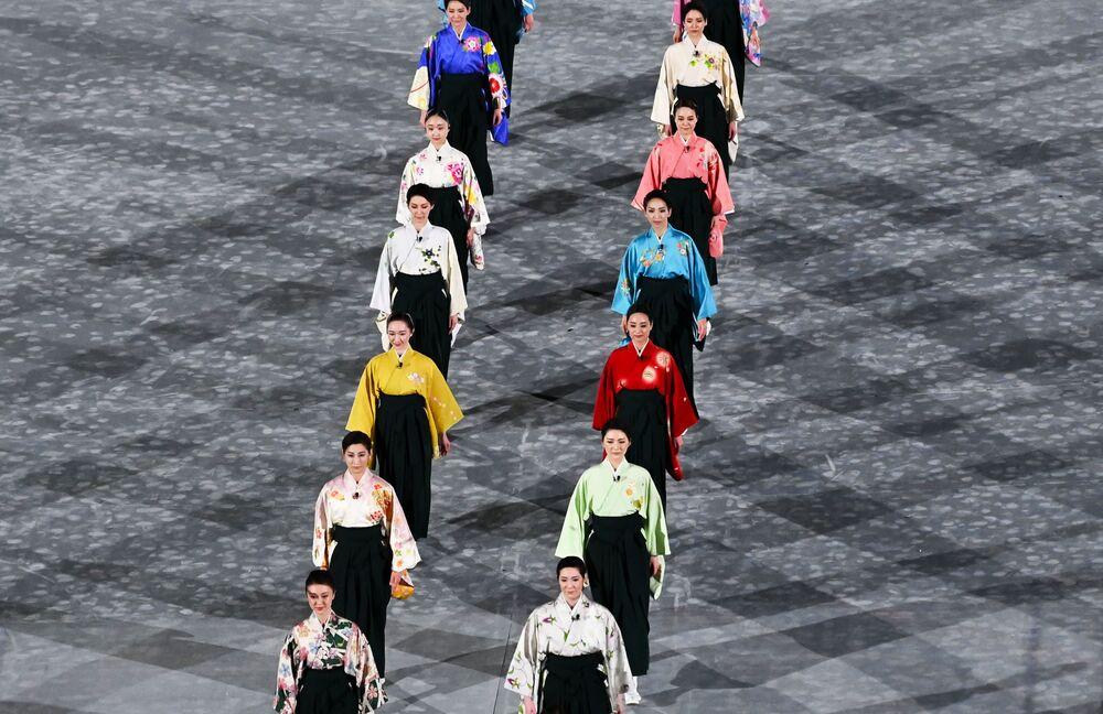 Apresentação durante cerimônia de encerramento dos XXXII Jogos Olímpicos de Verão em Tóquio.