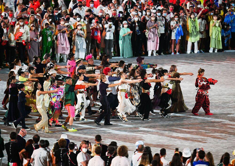 Apresentação durante cerimônia de encerramento dos XXXII Jogos Olímpicos de Verão em Tóquio