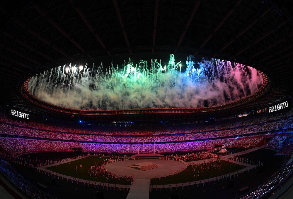 Fogos de artifício na cerimônia de encerramento dos XXXII Jogos Olímpicos