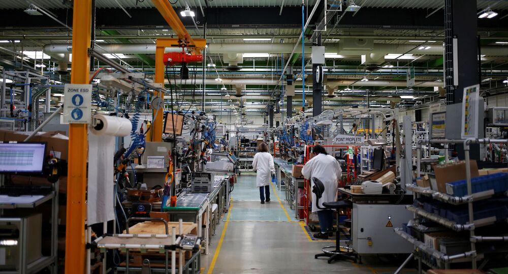 Visão geral da planta de produção 4.0 da gigante francesa de equipamentos elétricos Schneider Electric em Le Vaudreuil, noroeste da França. Foto de arquivo