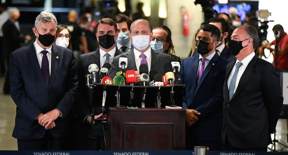 Deputado Ricardo Barros durante conferência de imprensa após depoimento na CPI da Covid, 12 de agosto de 2021