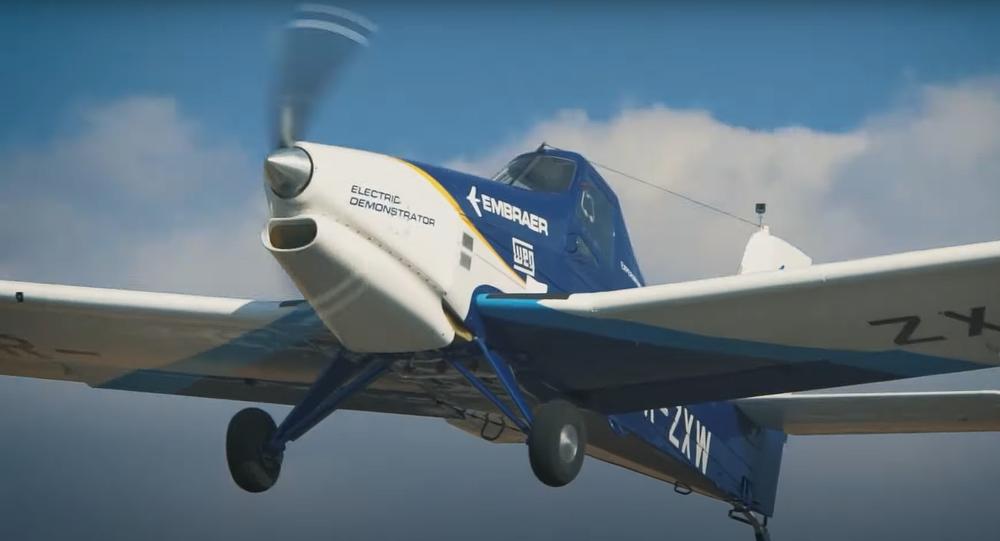 Avião elétrico EMB-203 Ipanema realiza primeiro voo em São Paulo