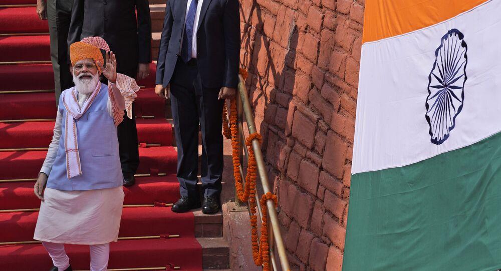 Primeiro-ministro indiano, Narendra Modi, participando das celebrações do Dia da Independência no Forte Vermelho em Nova Deli, Índia