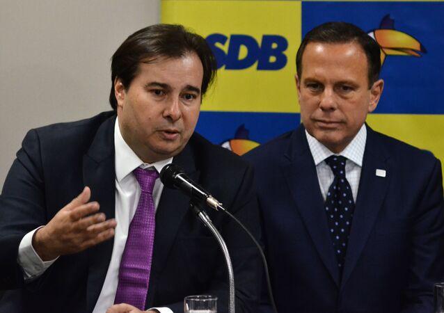 O governador de São Paulo, João Doria e o deputado Rodrigo Maia durante reunião de bancada do partido, 20 de agosto de 2019