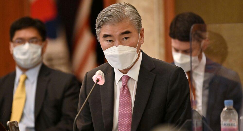 Sung Kim, representante especial dos EUA para a Coreia do Norte, fala em uma reunião em um hotel em Seul, Coreia do Sul em 21 de junho de 2021