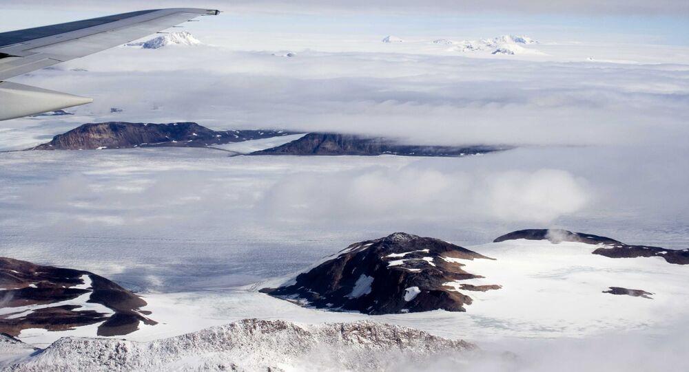 Montanha na Groenlândia (imagem referencial)