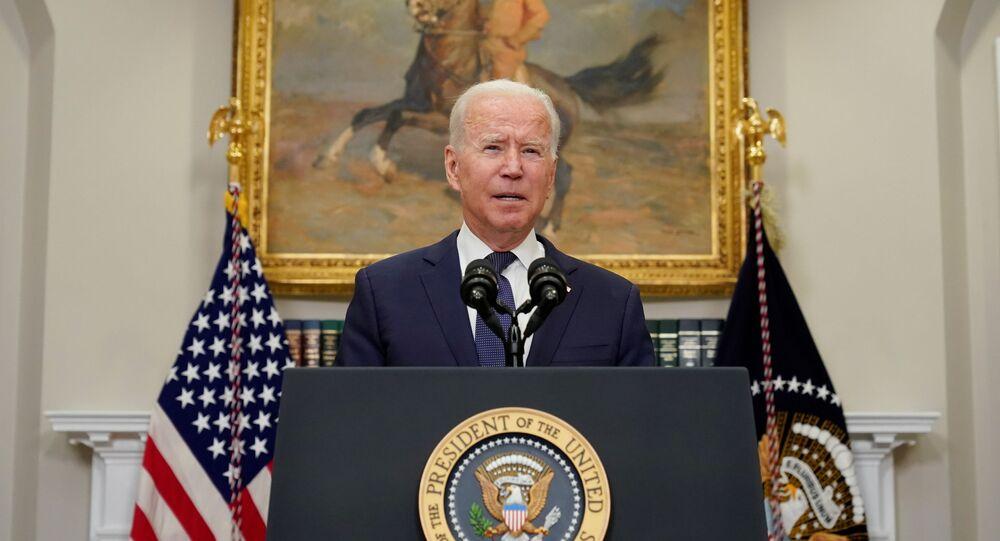 O presidente dos EUA, Joe Biden, fala sobre o furacão Henri e a evacuação do Afeganistão na Sala Roosevelt da Casa Branca em Washington, D.C., EUA, em 22 de agosto de 2021