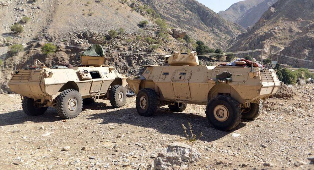 Veículos blindados da milícia leal a Ahmad Massoud, filho de Ahmad Shah Massoud, no Vale do Panjshir, Afeganistão, 25 de agosto de 2021