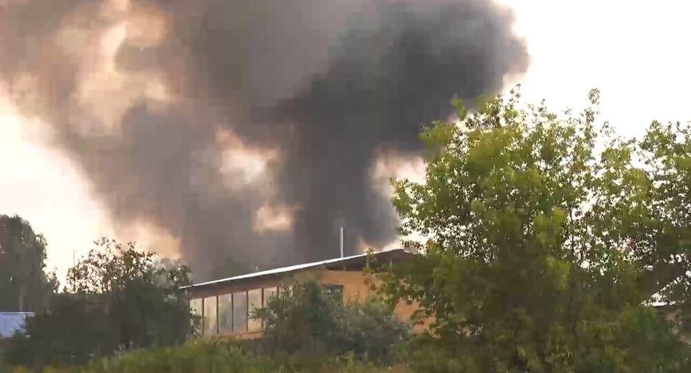 Incêndio em depósito de munição de artilharia em base militar no distrito de Achinsk, região de Krasnoyarsk, Rússia