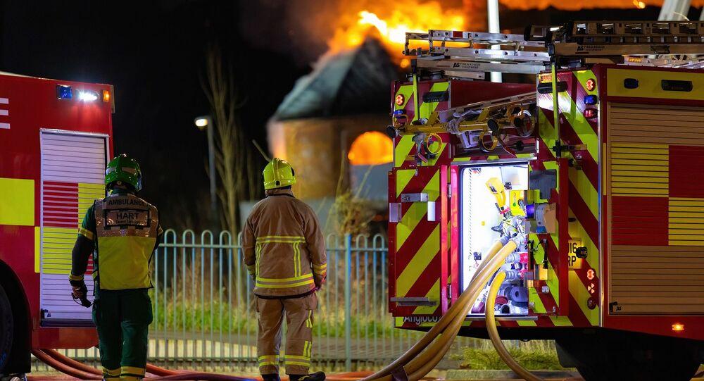 Incêndio com bombeiros