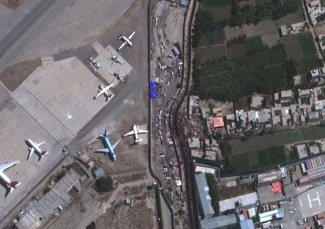 Portão da Abadia no Aeroporto Internacional Hamid Karzai, em Cabul, Afeganistão, 24 de agosto de 2021