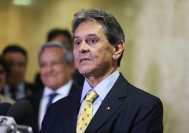 Presidente do PTB, Roberto Jefferson, fala à imprensa. Foto de arquivo