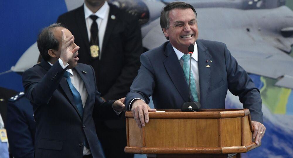 Presidente Jair Bolsonaro participa de solenidade de entrega da medalha ao mérito desportivo militar no Rio de Janeiro nesta quarta-feira (1º).