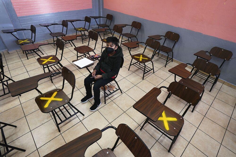 Aluno durante uma aula individual em Iztacalco, México
