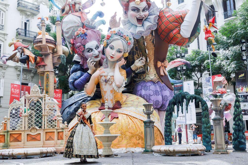Participante do festival Fallas em Valência, Espanha