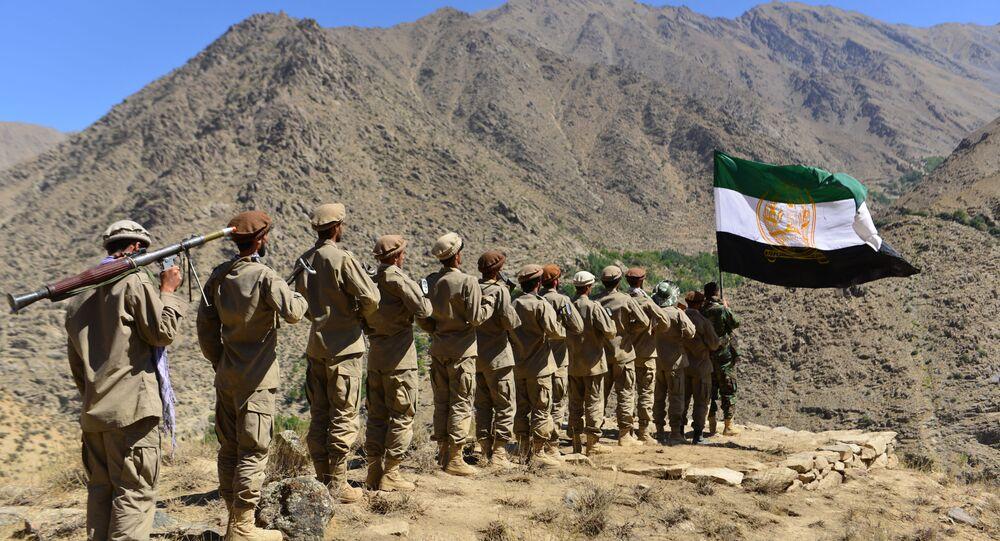 Movimento de resistência anti-Talibã participam de treinamento militar na área de Malimah, distrito de Dara, província de Panjshir, Afeganistão, 2 de setembro de 2021