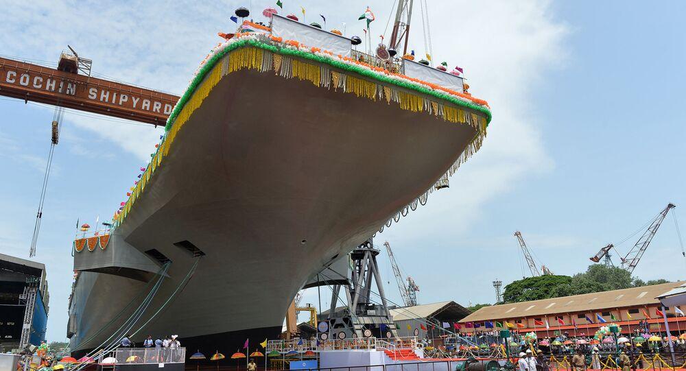 Porta-aviões INS Vikrant em construção no estaleiro de Cochin