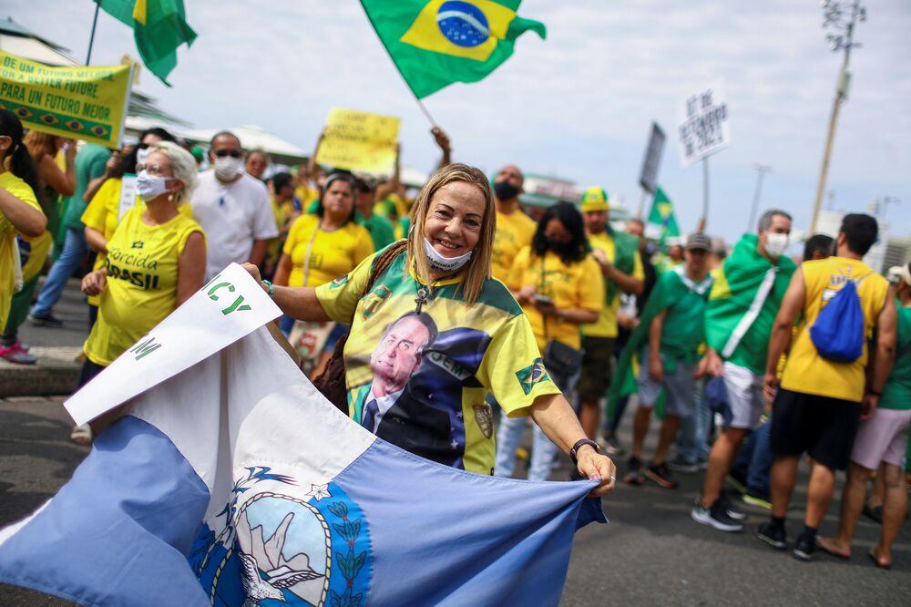 Manifestante apoiadores de Bolsonaro participando de marcha pelo Dia da Independência no Rio de Janeiro, em 7 de setembro de 2021