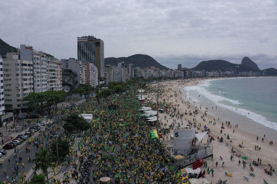 Fotografia aérea mostra dimensão da marcha pelo Dia da Independência do Brasil no Rio de Janeiro, em 7 de setembro de 2021