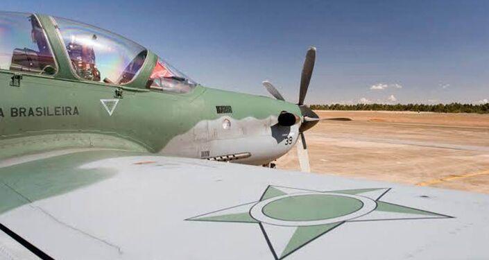 FAB intercepta aeronave que entrou sem autorização no espaço aéreo brasileiro