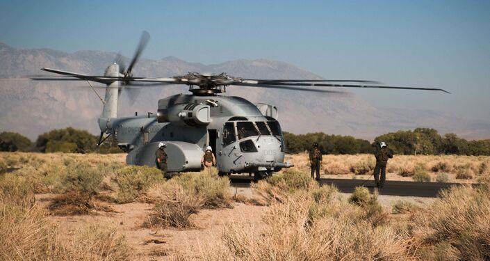 Novo helicóptero do Corpo de Fuzileiros Navais dos EUA, CH-53K King Stallion, resgata o helicóptero MH-60 Seahawk em sua primeira missão real