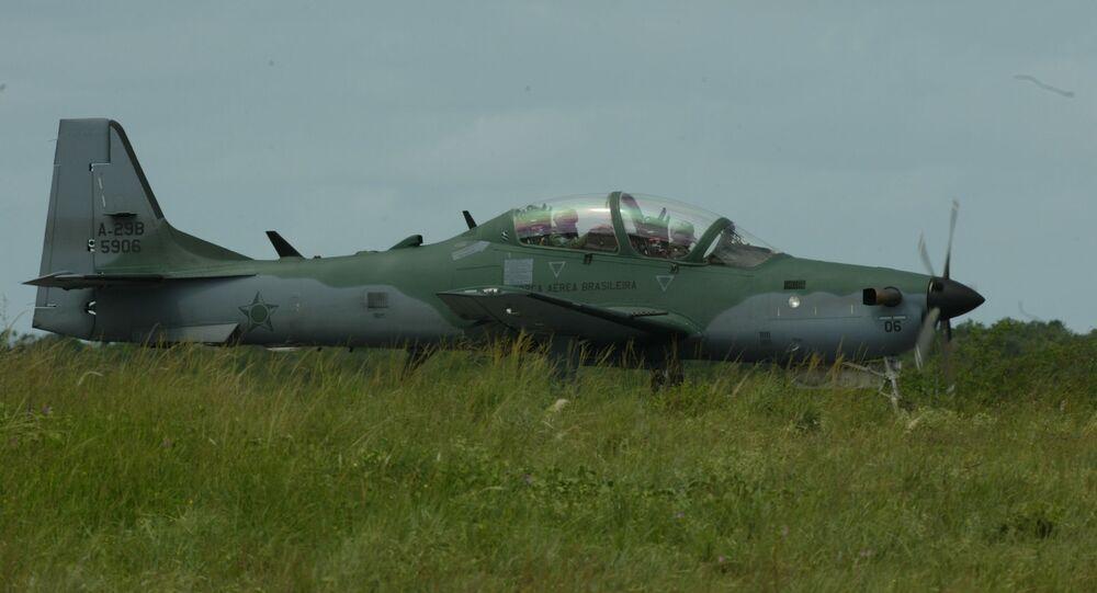 Pilotos da FAB fazem treinamento em aviões A-29, os Super-Tucanos, na Base Aérea de Natal