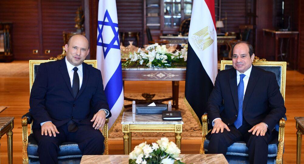 Presidente do Egito, Abdel Fattah al-Sisi, e premiê de Israel, Naftali Bennett, na cidade de Sharm El-Sheikh, Egito, 13 de setembro de 2021