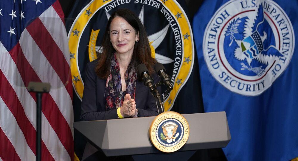 Avril Haines, diretora de Inteligência Nacional dos EUA, durante visita ao Escritório do Diretor de Inteligência Nacional em McLean, Virgínia, 27 de julho de 2021