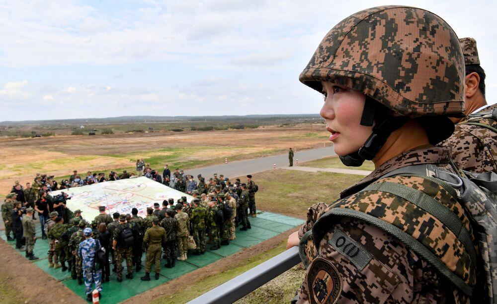 Militar do Exército da Mongólia durante a etapa principal dos exercícios militares Zapad 2021, no polígono de Mulino, região de Nizhny Novgorod, Rússia
