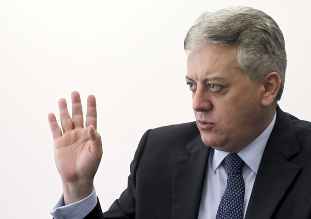 Aldemir Bendine, ligado á Dilma, assume a Petrobras