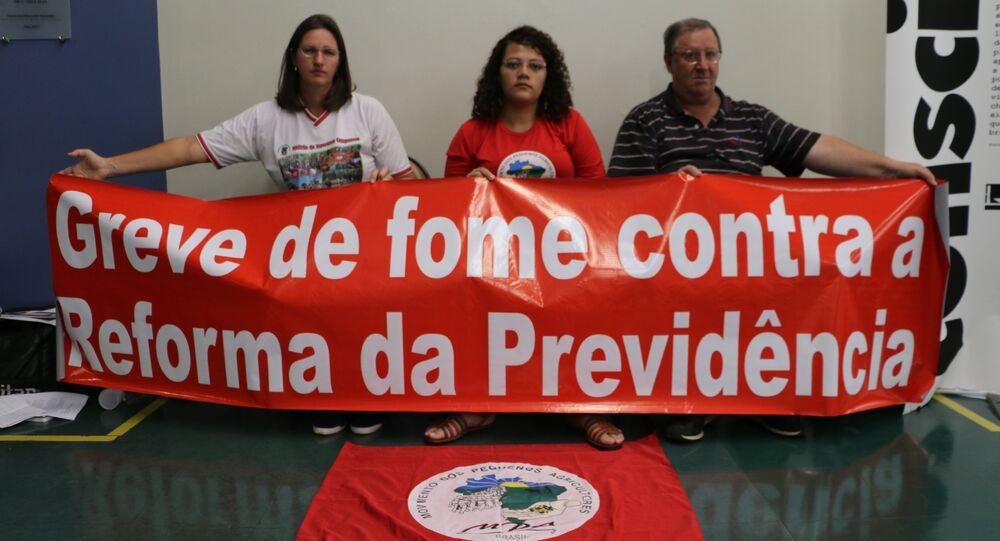 Integrantes do MPA realizam greve de fome em protesto contra a Reforma da Previdência